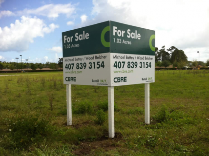 v-shaped_cbre_commercial_real_estate_sign_4x5jpg_size450x320_bgffffff_fs8063aebdf28963495ae50de0bd788bd4_tr1_p0